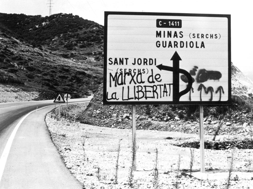 """Noticiari-1: """"La Marxa de la llibertat"""" (1976), 7 min. Amb la C.C.A."""